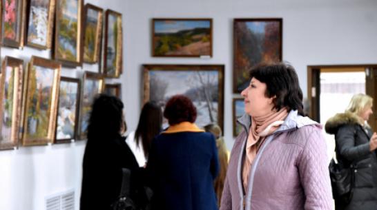 В Калаче открылась выставка картин местных художников – супругов Грищенко