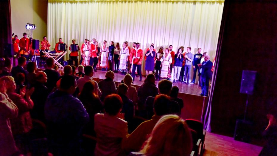 Артистам ансамбля казачьей песни «Криница» понравилась энергетика новоусманских зрителей