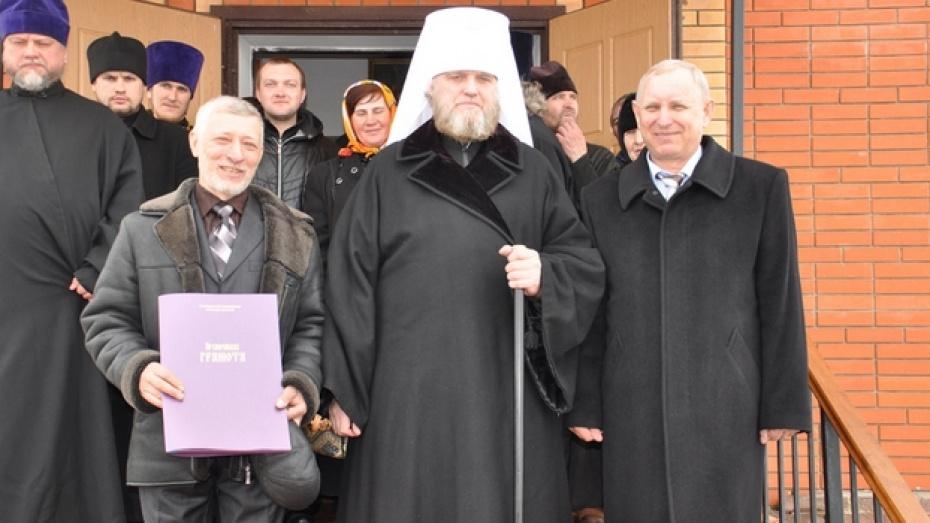 Художник из Репьевки расписал новый храм в Курской области