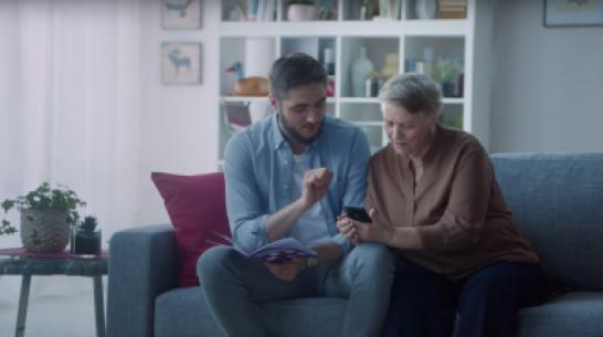 Tele2 запустила социальную кампанию «Переведи бабушку в интернет»