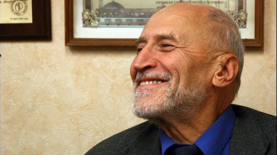 Николай Дроздов вручил Воронежу главную награду международных экологов
