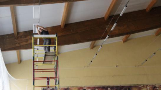 В Подгоренском ФОКе  заменят более 100 светильников