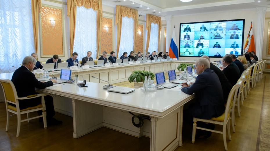 Глава региона призвал к борьбе с незаконной промышленной продукцией в Воронежской области