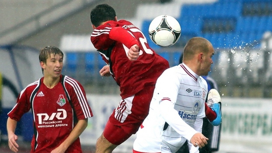 Лискинский «Локомотив» провел два контрольных матча на сборе в Анапе