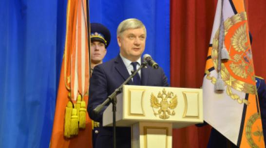 Губернатор поздравил воронежских военных с Днем защитника Отечества