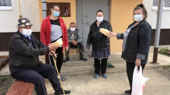 В Новохоперском районе предприниматель в период пандемии оказал помощь 40 пенсионерам