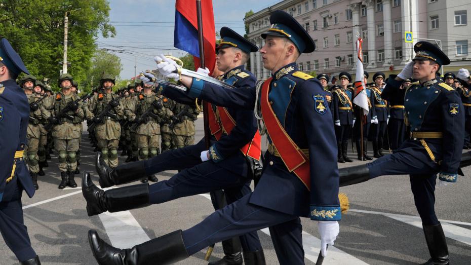 Улицу Плехановскую в Воронеже опять перекроют на ночь из-за репетиции парада