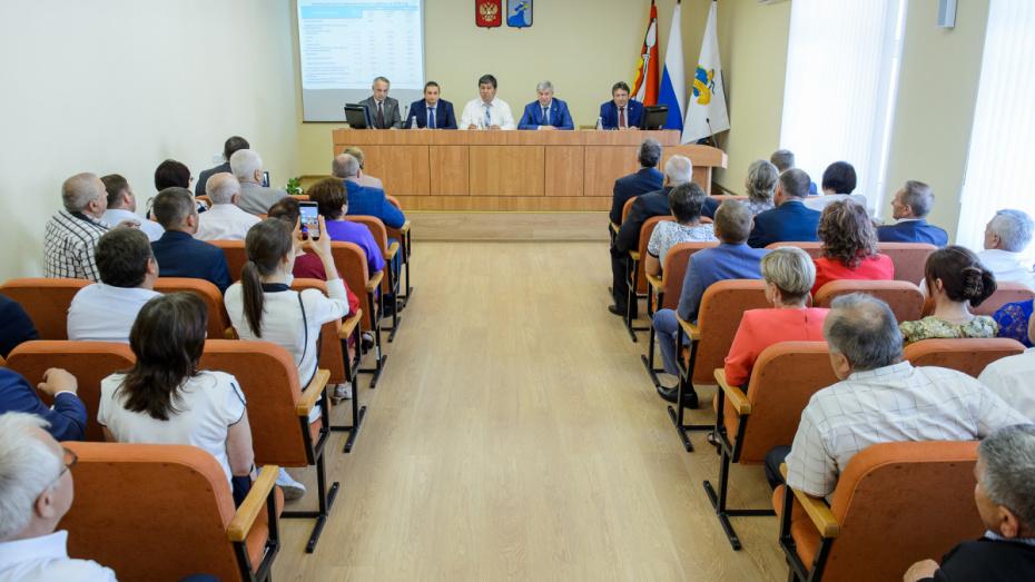 Губернатор предложил найти новые сферы развития Нижнедевицкого района