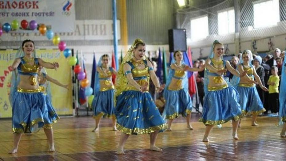 Поворинские танцоры победили на межрегиональном фестивале-конкурсе «Танцевальный калейдоскоп-2013»