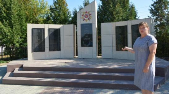 В нижнедевицком селе Новая Ольшанка отремонтировали памятник погибшим в годы ВОВ землякам