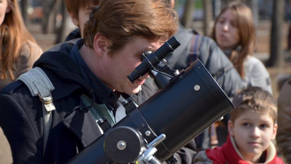 Повторные наблюдения Луны и Марса в телескоп пройдут в Воронеже 15 мая