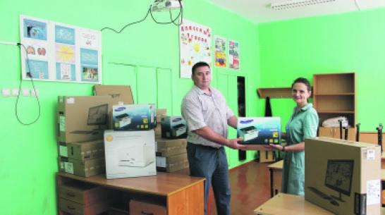 В Гороховской школе Верхнемамонского района обновили оргтехнику
