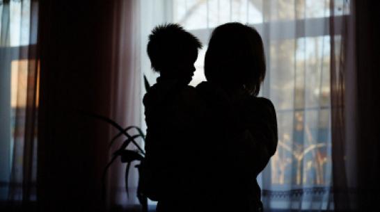 Жительница Воронежской области попала под статью за жестокое обращение с 3-летним сыном