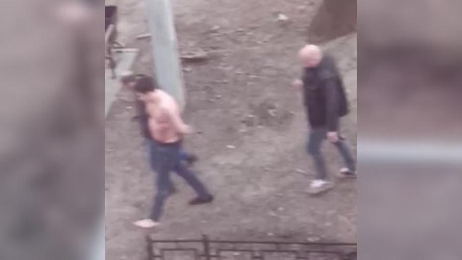 Воронежец пытался сбежать от полиции в одних джинсах и носке