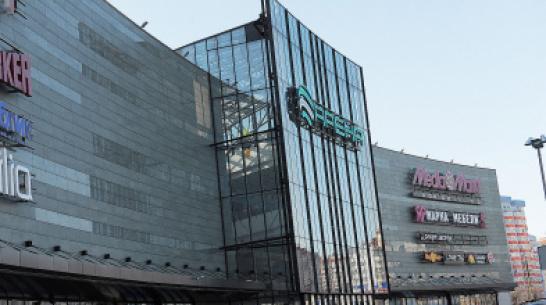 ЧОП без лицензии год обеспечивал безопасность в 2 торговых центрах Воронежа