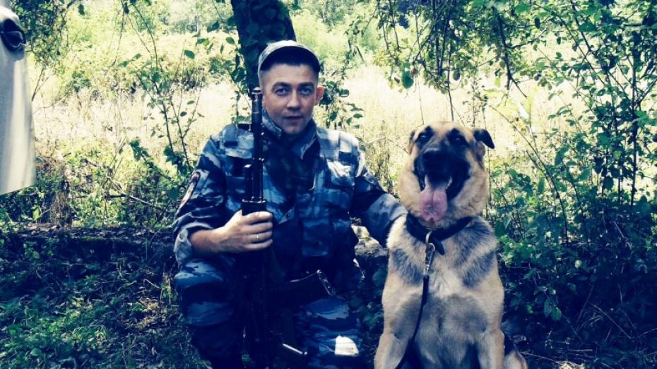 Под Воронежем служебная собачка Румба отыскала преступника покроссовкам