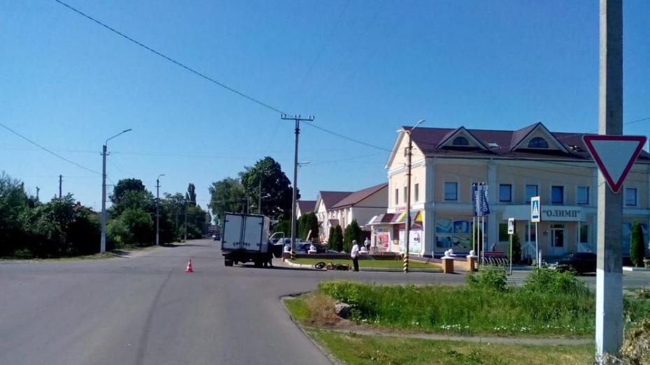 В Борисоглебске в ДТП пострадали несовершеннолетний мотоциклист и 5-летний ребенок