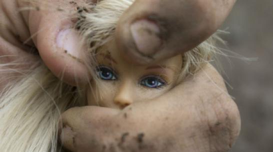 В Воронежской области мужчина избивал и морил голодом 5-летнюю дочь