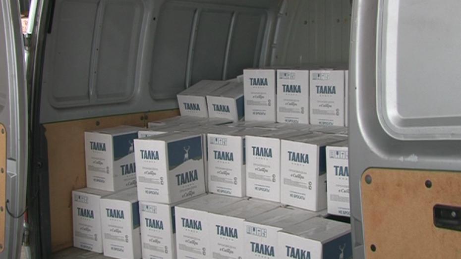 Воронежские полицейские непропустили врегион 230 ящиков контрафактной водки