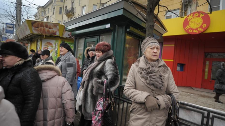 В Воронеже цветочный киоск поставили вместо остановки
