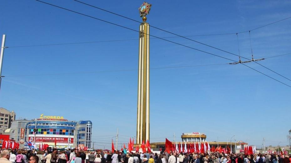 Уроженец Воронежской области помог открыть памятник Победы в Липецке