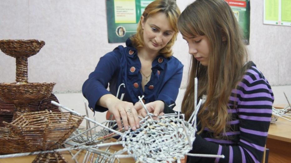 В Новохоперской школе процветает фальшивое лозоплетение