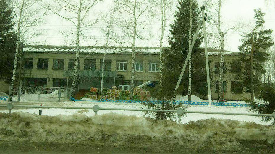 Губернатор Воронежской области распорядился начать срочный ремонт Каменской школы №2