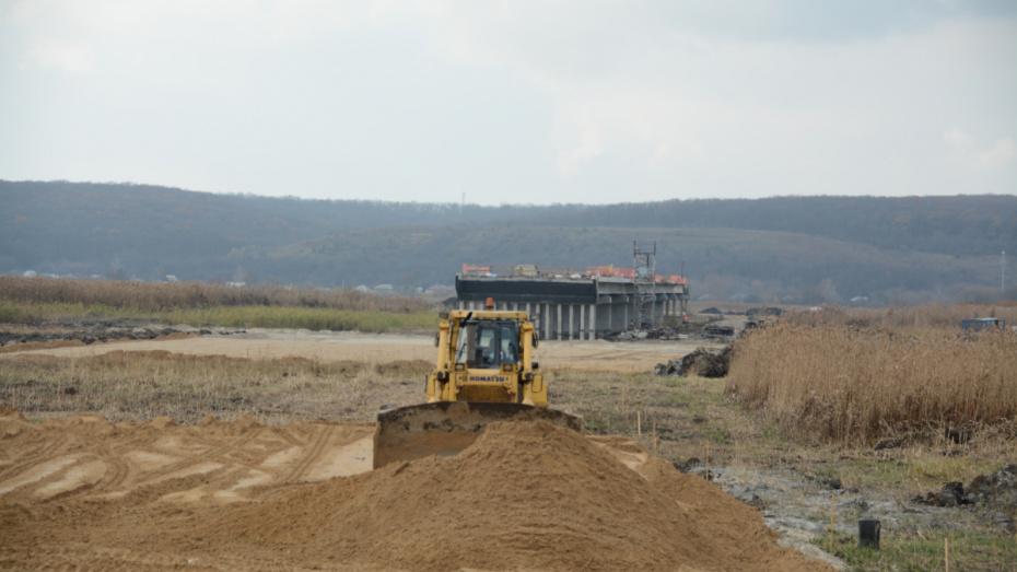 Строительство дороги в обход Боброва в Воронежской области ускорили
