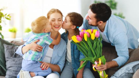 Жительницы Воронежа рассказали, какие подарки хотят получить на 8 Марта