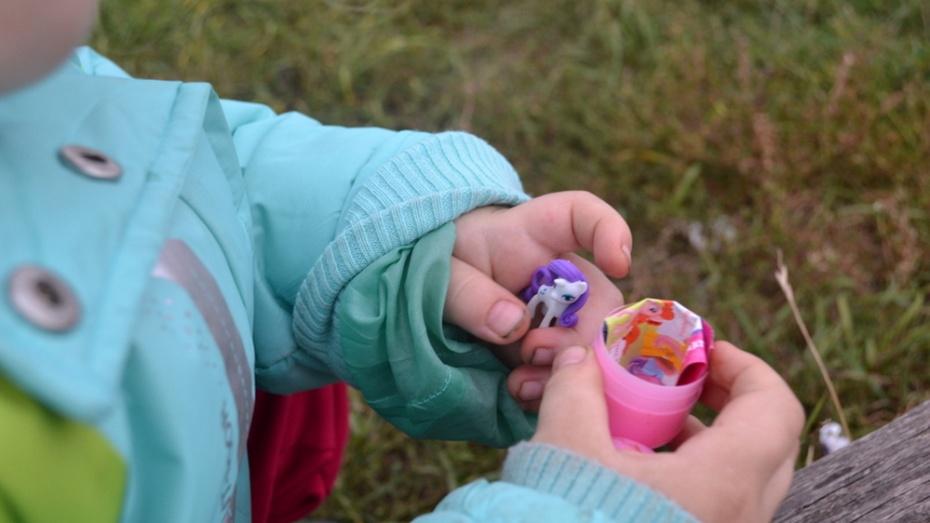 Воронежские следователи заподозрили мать в избиении 5-летней дочери