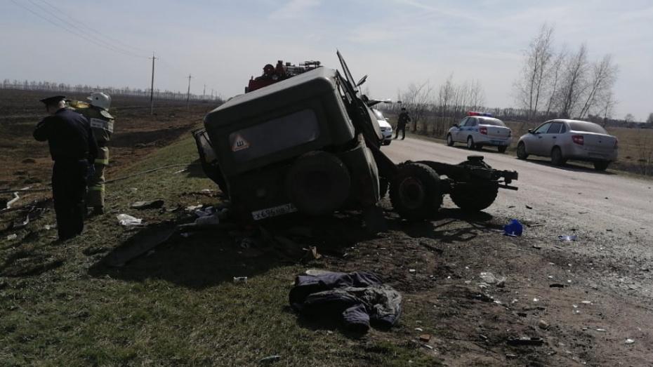 В Воронежской области столкнулись Chevrolet и УАЗ: 4 человека погибли
