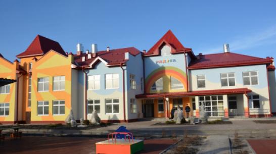 В поворинском селе Пески перенесли открытие детсада на 220 мест
