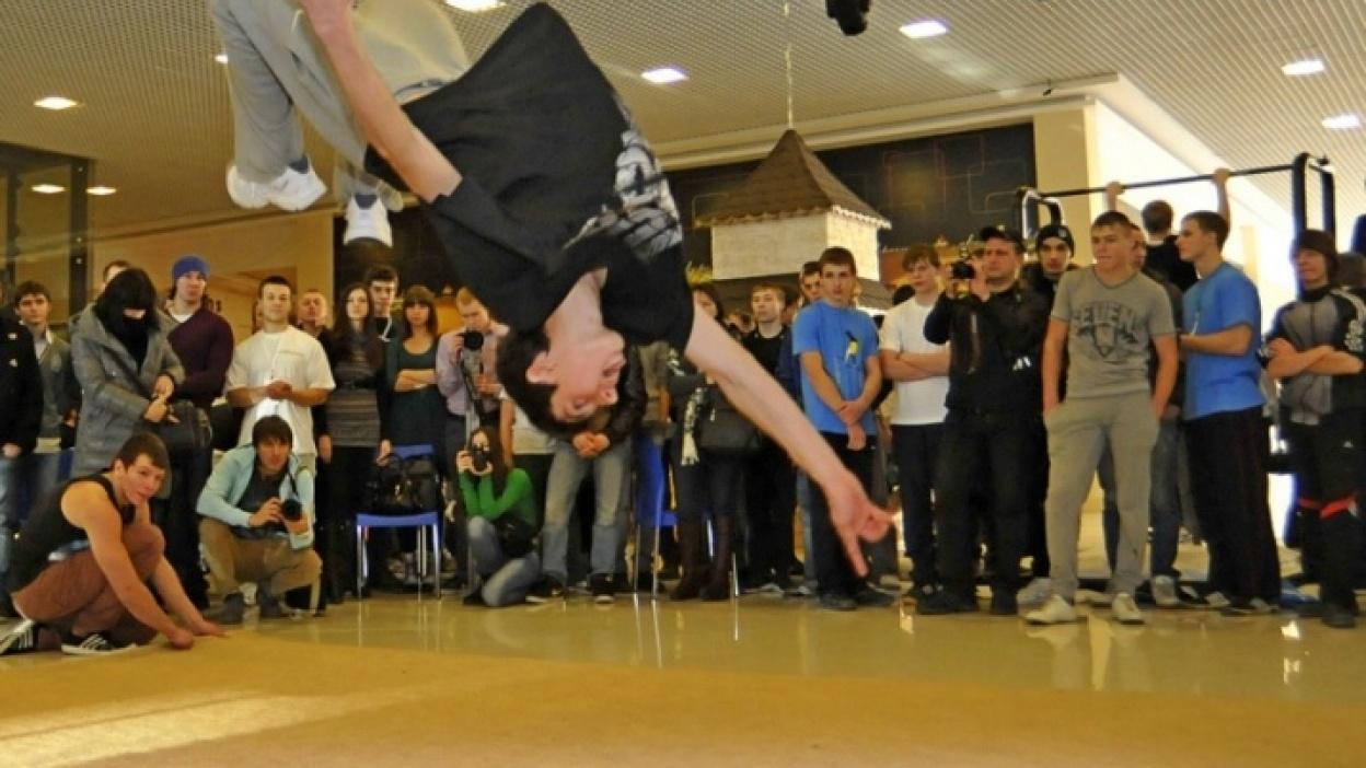 Впервые зимой в Воронеже прошел фестиваль уличной гимнастики