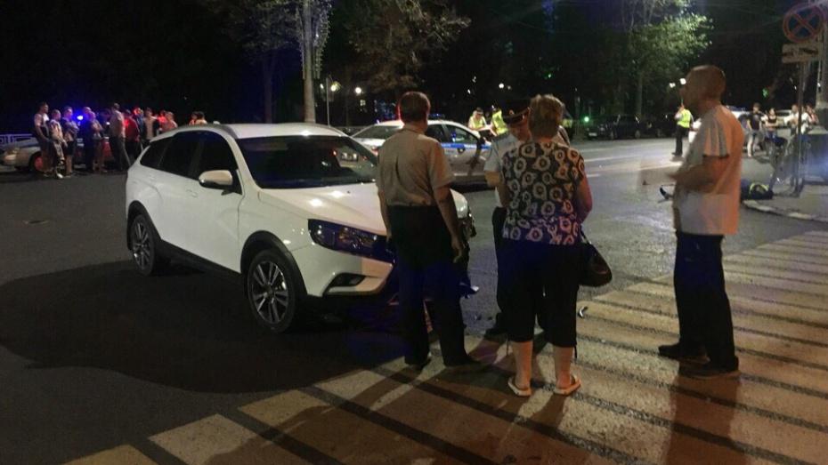 В Воронеже в ночном ДТП погиб мотоциклист
