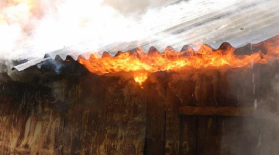 В ольховатском поселке Заболотовка при пожаре во времянке погиб 39-летний мужчина