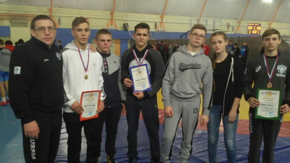 Эртильский борец завоевал «золото» областного первенства