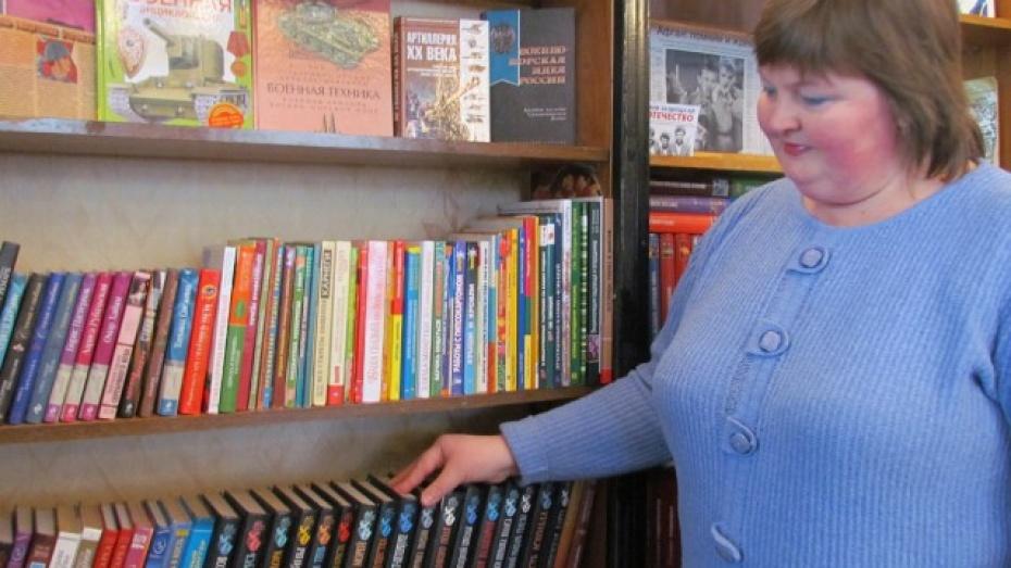 Жительница Нижнедевицкого района подарила библиотеке более двух тысяч книг