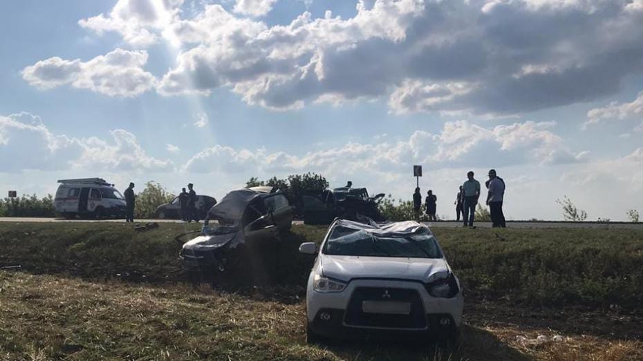 В массовом ДТП под Воронежем погибли 3 человека