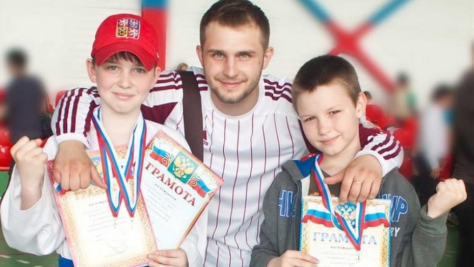 Семилукские каратисты завоевали 3 медали на межрегиональном турнире