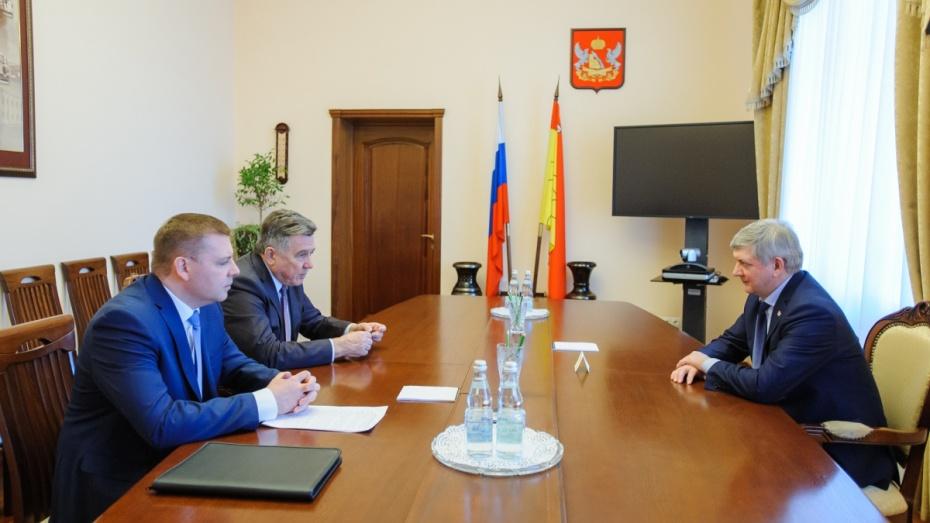 Ректор Российского университета правосудия предложил открыть школу в воронежском филиале