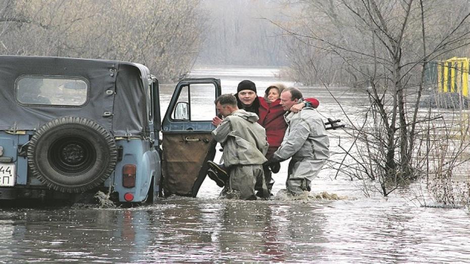 Полпред президента высоко оценил организацию противопаводковых мероприятий в Воронежской области