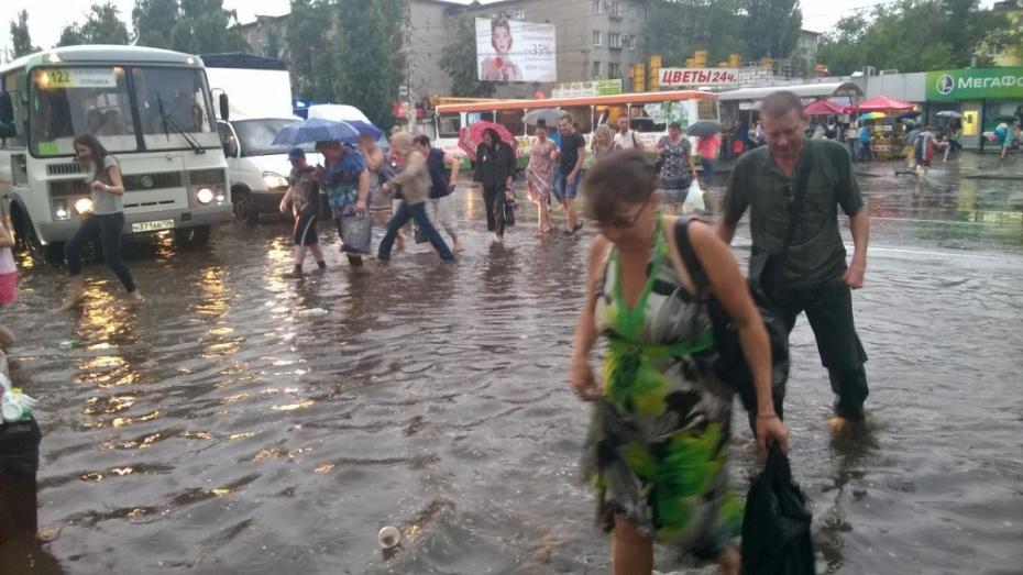 Воронежцы о летнем ливне: «Раньше при такой погоде строили ковчег»