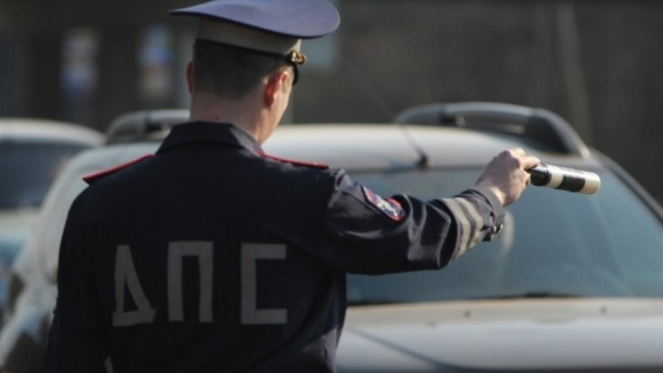 В Воронежской области автомобиль ДПС перевернулся при погоне