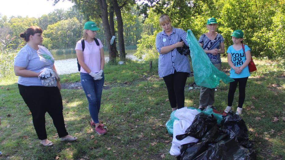 В Таловском районе волонтеры очистили береговую линию Елани