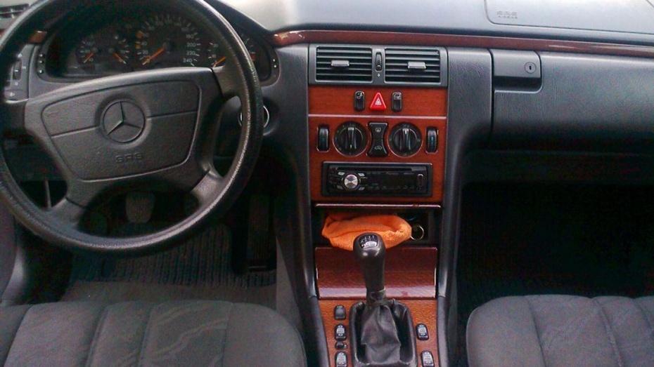 Под колесами Mercedes погиб житель Воронежской области