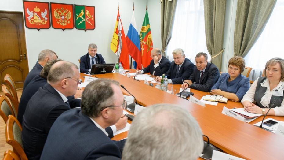Губернатор Воронежской области выступил за распределение части налогов местным властям