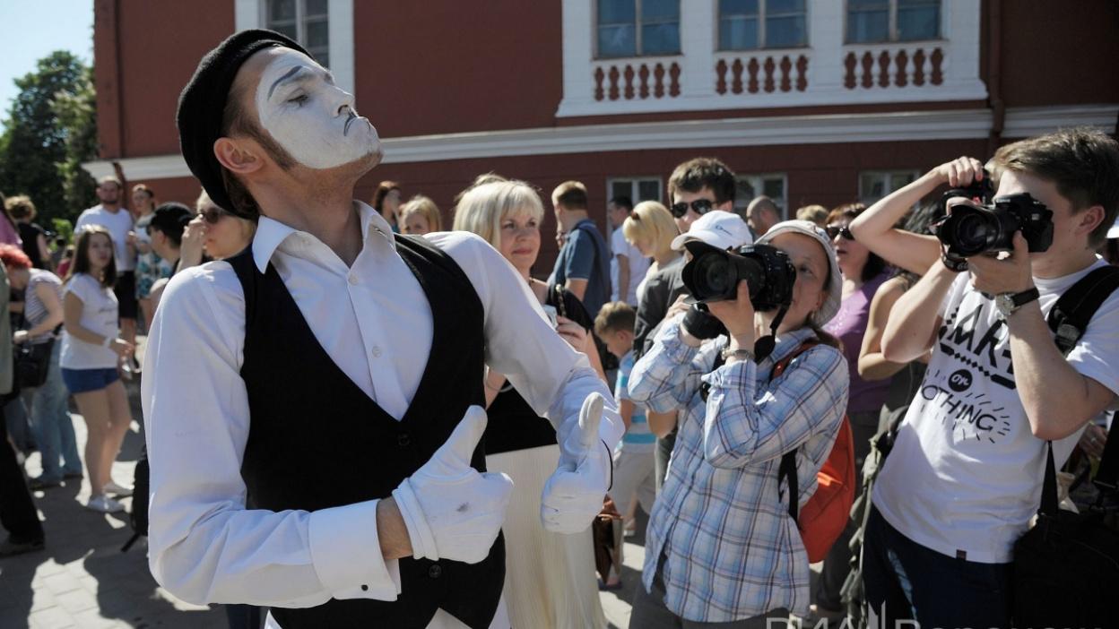 Фото РИА «Воронеж»: карнавальное шествие «Парад талантов»