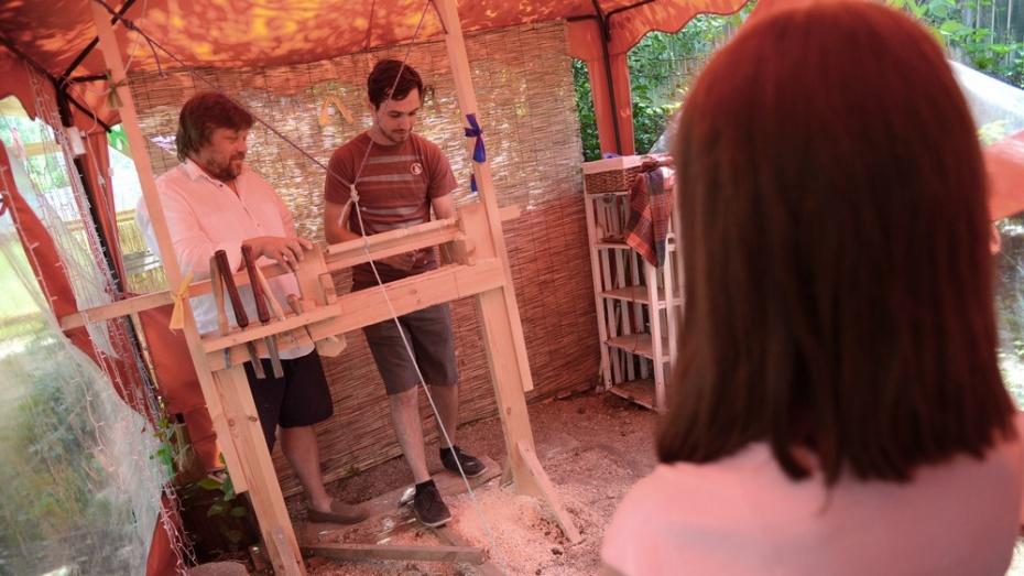 Американские студенты научились играть в бирюльки в антимузее под Воронежем
