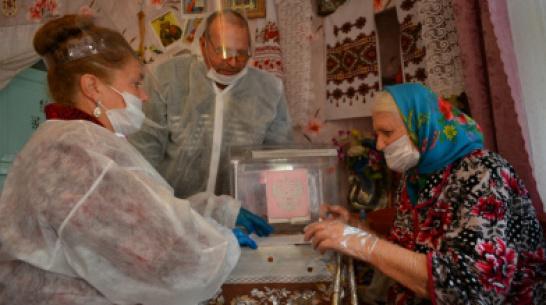 Жители нижнедевицкого хутора активно проголосовали в  первый день выборов