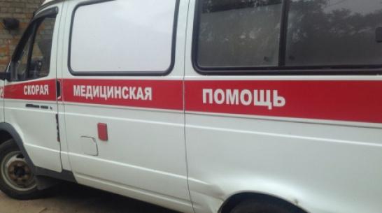 В Воронежской области в «скорой» скончался пассажир опрокинувшейся легковушки
